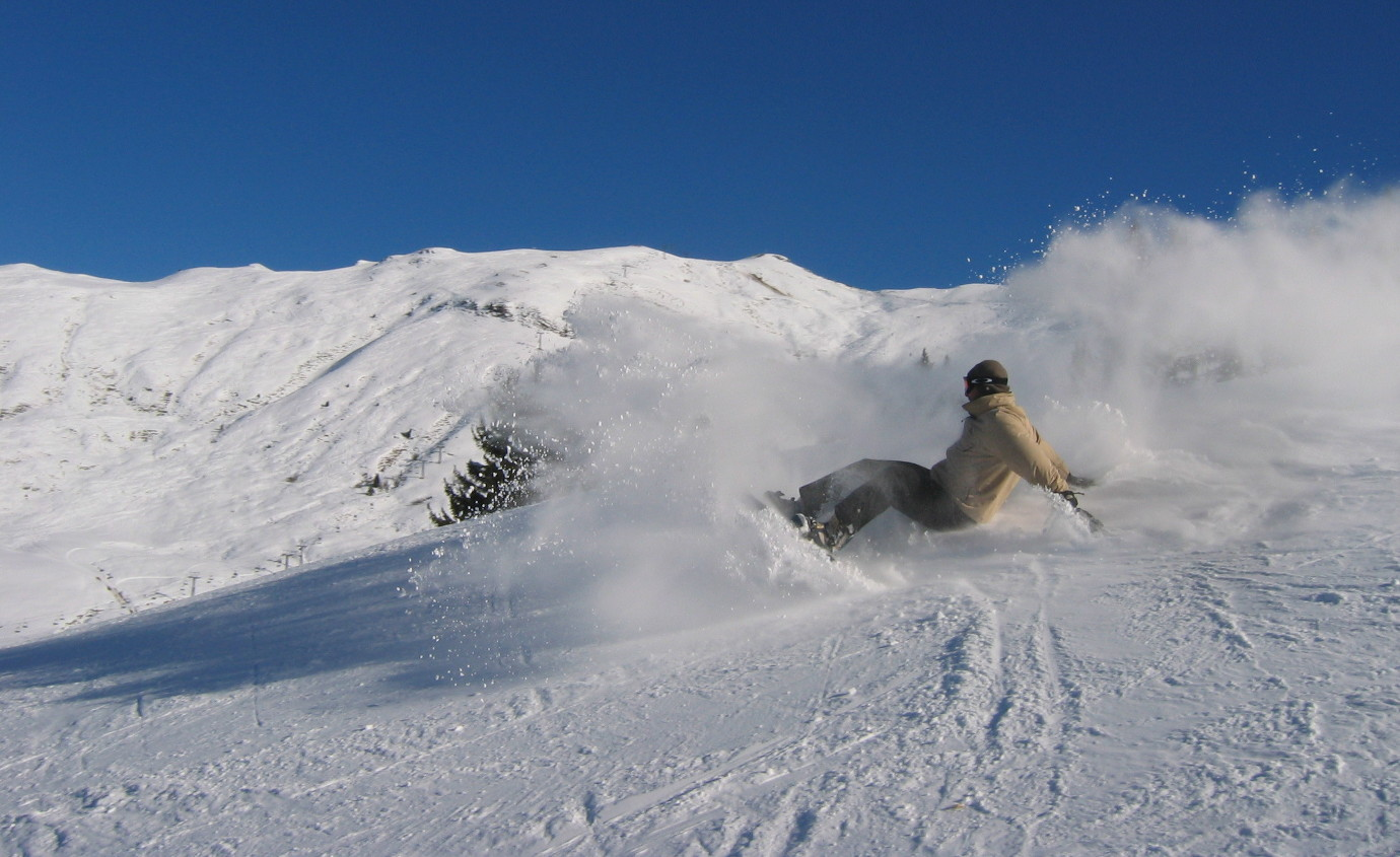 Stefan Heinrich travelonboards snow